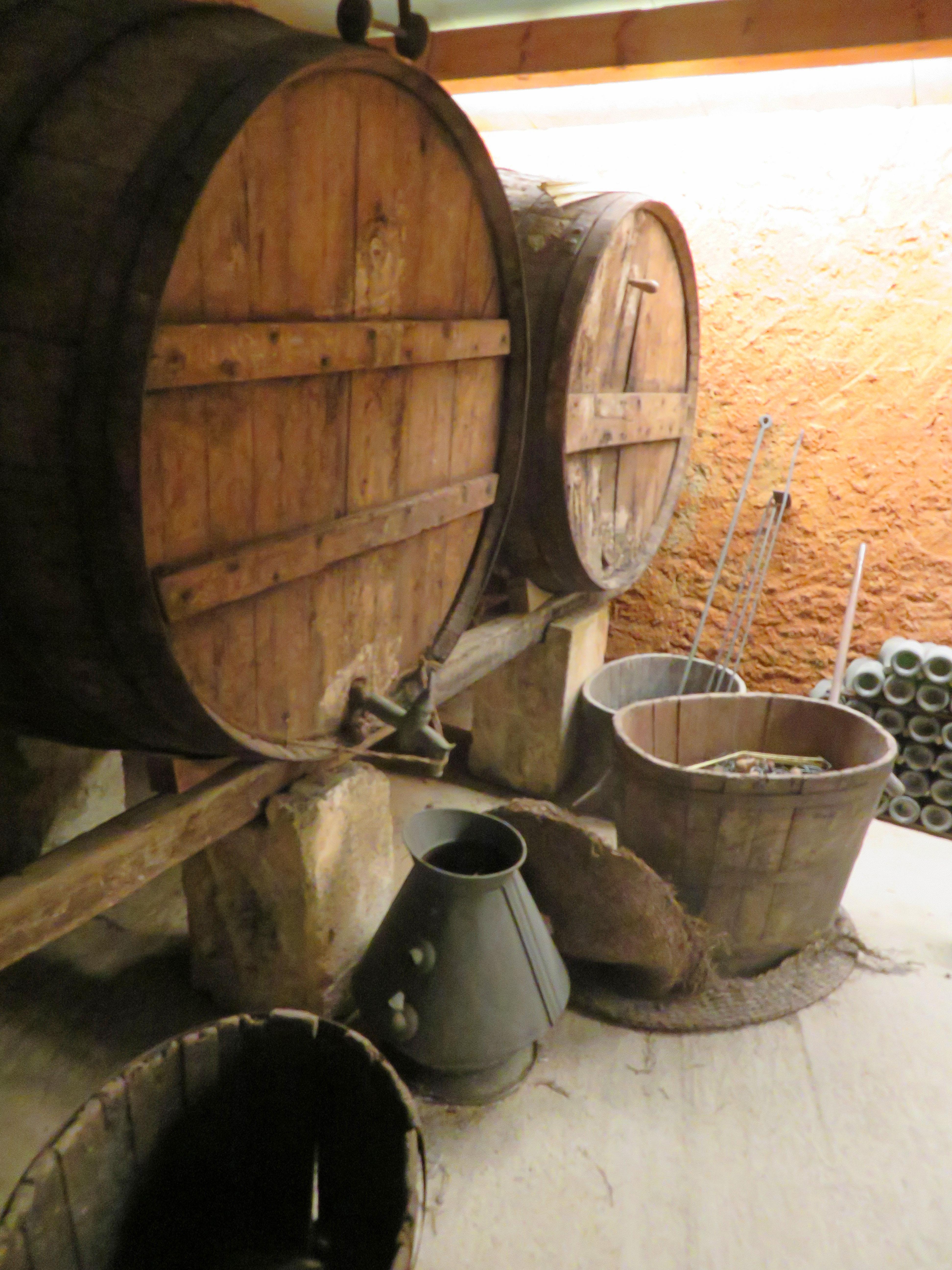 wijnton in wijnhuis
